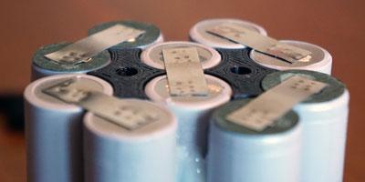 batterie en cours d'assemblage